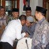 Gubernur Sumatera Utara Edy Rahmayadi saat memimpin rapat bersama Badan Amil Zakat Nasional Provinsi Sumut di ruang rapat Lantai 10 kantor Gubernur Sumatera Utara