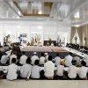 Gubernur Sumatera Utara Edy Rahmayadi saat berbuka puasa bersama anak yatim di hari pertama ramadan di Aula Gubernuran, Jalan Jenderal Sudirman No.41 Medan