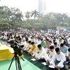 Gubernur Sumut Edy Rahmayadi bersama Wagub Musa Rajekshah saat melaksanakan Salat Idulfitri 1 Syawal 1440 H di Lapangan Merdeka Medan, Jl Pulau Pinang, Medan