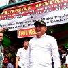 Gubernur Sumatera Utara Edy Rahmayadi saat meninjau beberapa titik tempat pemungutan suara (TPS) di Medan diantaranya TPS 1 Kelurahan Madras Hulu Kecamatan Medan Polonia