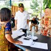 Sekretaris Daerah Provinsi Sumatera Utara Hj R Sabrina saat meninjau Pemilihan Umum 2019 beserta unsur Forkopimda di Kota Tebingtinggi didampingi oleh Walikota Tebing Tinggi Umar Zunaidi Hasibuan
