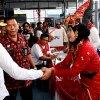 Gubernur Sumatera Utara Edy Rahmayadi saat meninjau beberapa titik tempat pemungutan suara (TPS) di Lapas Kelas I dan Lapas Wanita Kelas IIA di Lembaga Pemasyarakatan Tanjung Gusta Medan