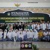 Pengunjung bersuka cita mengabadikan kegembiraan mereka usai menyaksikan dan memberikan dukungan kepada para peserta final Musabaqah Maqalah Al Quran (MMQ) di Gedung Sumekto Djajanegera, Akademi Pariwisata Medan
