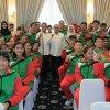 Gubernur Sumut Edy Rahmayadi berfoto bersama atlet asal Sumut yang berprestasi di Asian Para Games 2018 Jakarta dan kontingen PORWIL 2018 di Provinsi Aceh