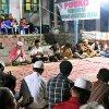 Gubernur Sumatera Utara, Edy Rahmayadi mengikuti tahlilan di posko pengungsian untuk mendoakan para korban bencana banjir bandang di desa Muara Saladi, Kec. Ulu Pungkut, Kab. Mandailing Natal